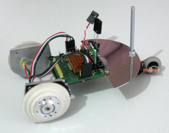 Машинка Марсоход, управляемая с пульта телевизора